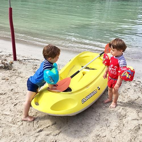 Majorque, enfants en canoé