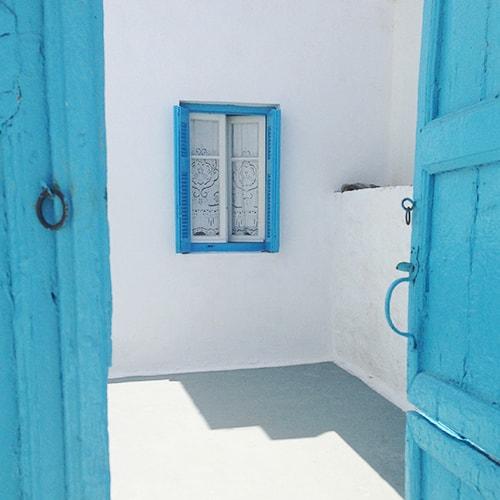 Fenêtre bleu et blanche-Amorgos, Numéro Une