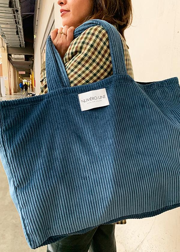 sac en velours bleu étoilé