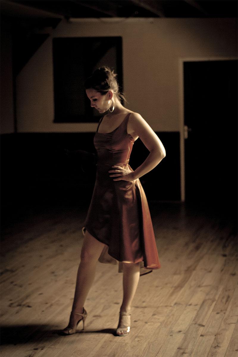 aurore, professeure de tango
